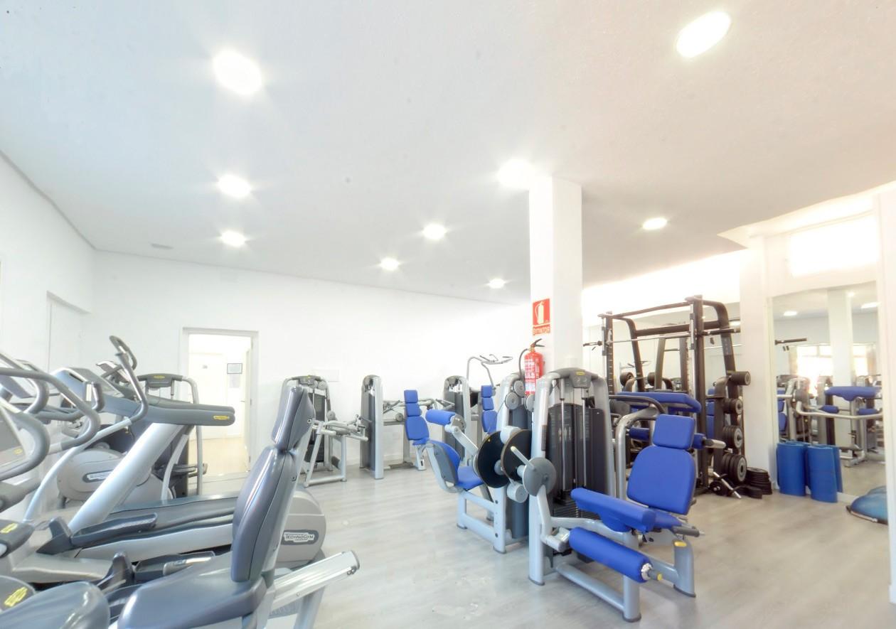 gimnasio en madrid riosal cerca de barrio del pilar y